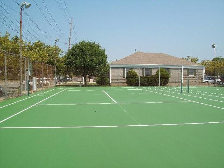 tennis-courts-candll4